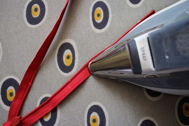 invisible-zipper-sewing-tutorial-step1