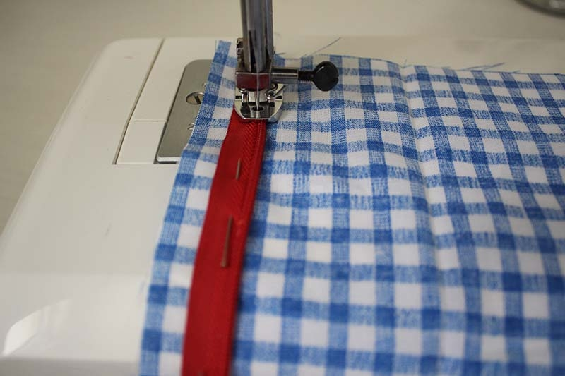 invisible-zipper-sewing-tutorial-step3